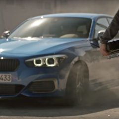 La BMW Série 1 et le drone