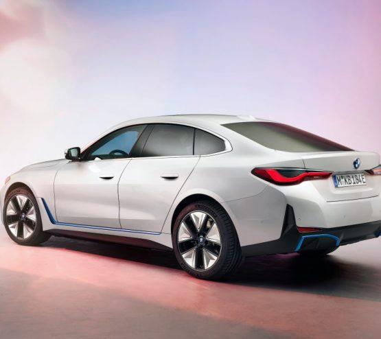BMW i4-2021