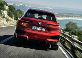 BMW iX electrique 2021 Production Usine Red Rouge -2